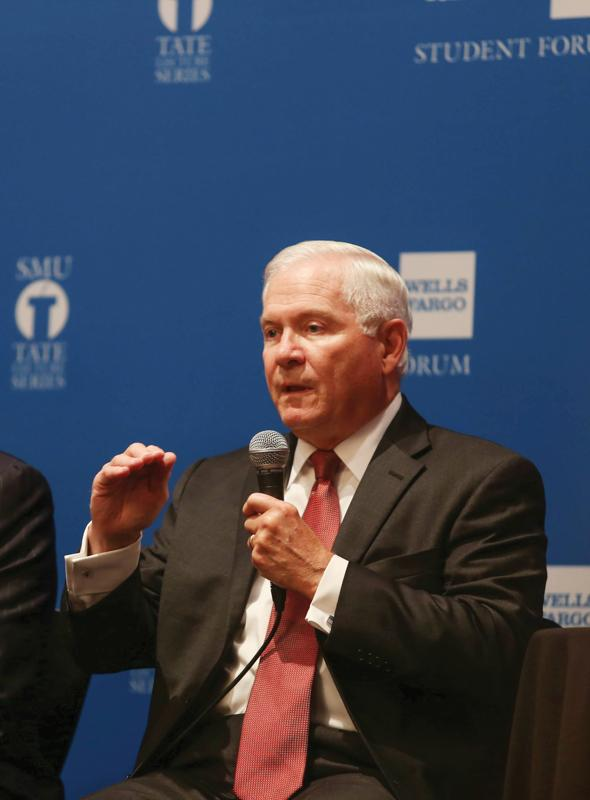 Photo by Scott Mitchell | Robert Gates answers a question asked by an audience member.