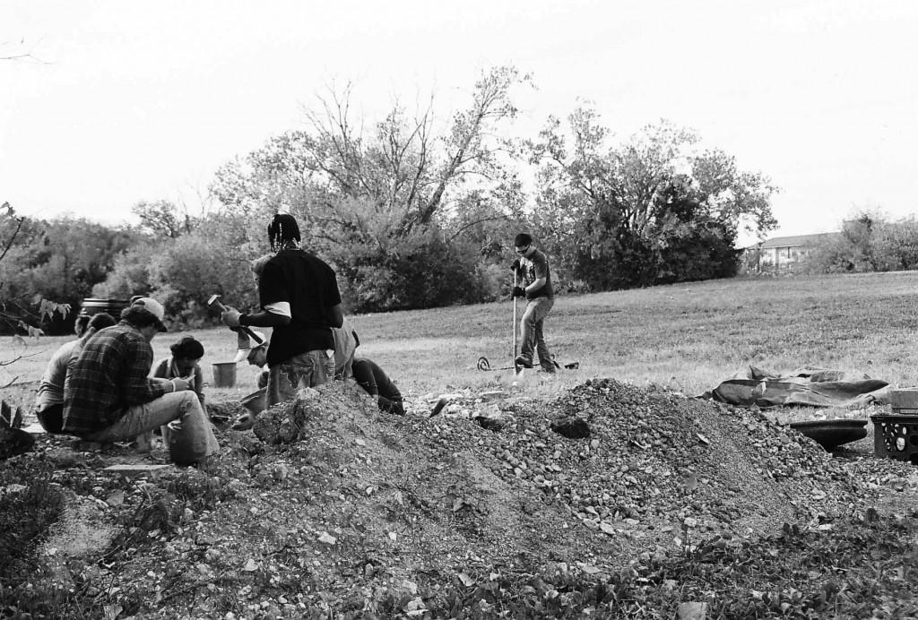 Photo by Jubenal Aguilar | Archaeology students dig for artifacts at Brookhaven's dig site