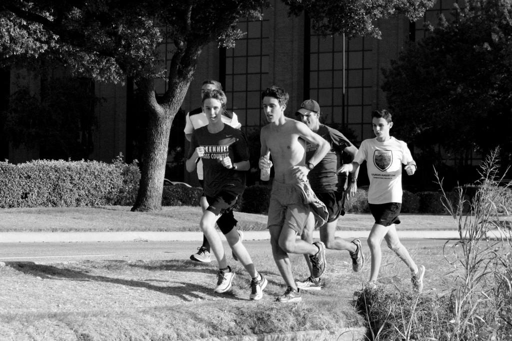 All photos by Andrew Zavala | Students from the Greenhill School race along the jogging trail.
